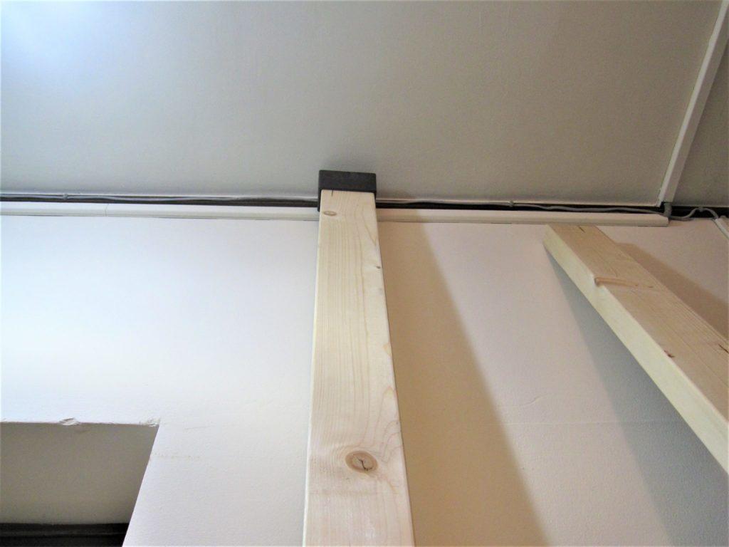 日曜大工をスマートに ディアウォール で木材を突っ張て 棚 を作る方法 スマeマガジン